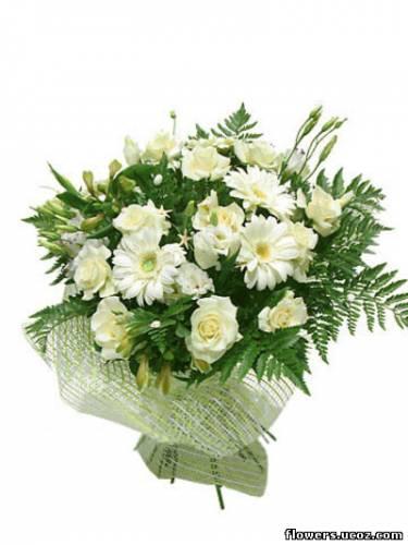 """Основные цветы: 11 роз  """"Айвори """", 5 гербер, 3 альстромерии.  Наименование товара: букет  """"В стиле Кантри """" Номер товара..."""